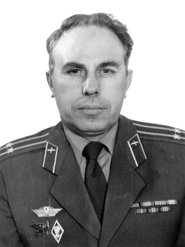 ветеран военной службы подполковник в отставке Попов Евгений Павлович